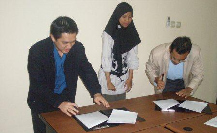 signing-mou-sisfocomlabs2.jpg